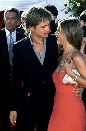 NYGIFT: Brad og Jennifer under Emmy-utdelingen få måneder etter at de ga hverandre sitt ja. Foto: NTB Scanpix