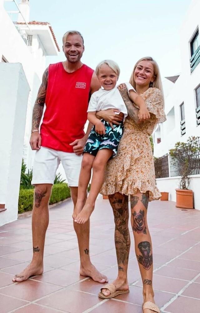 FAMILIE: I Thailand møtte Eliassen plutselig på en islending. Det er fem år siden nå. Sammen har de fått sønnen Atlas, som de reiser verden rundt med. Foto: Privat