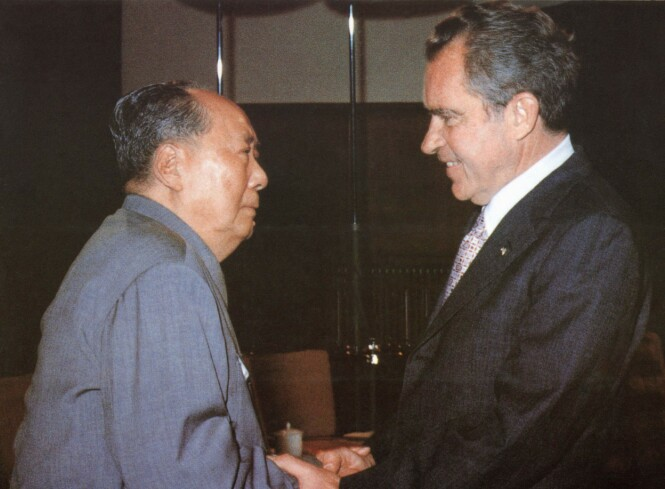 - HISTORISK: President Nixons møte med Mao Zedong i 1972 anses som et tidsskille for relasjonen mellom de to landene. Foto: AFP/ NTB Scanpix