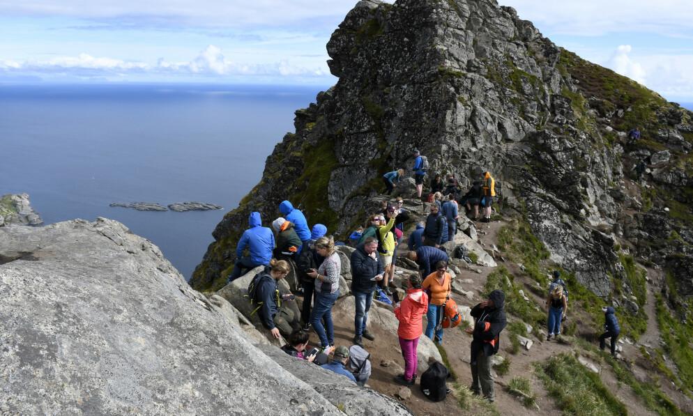 POPULÆRT: Lofoten regnes som et av Norges mest populære turistmål. I år har Vågan kommune måttet omstille seg kraftig i møte med den norske turistbølgen. Foto: Rune Stoltz Bertinussen / NTB scanpix