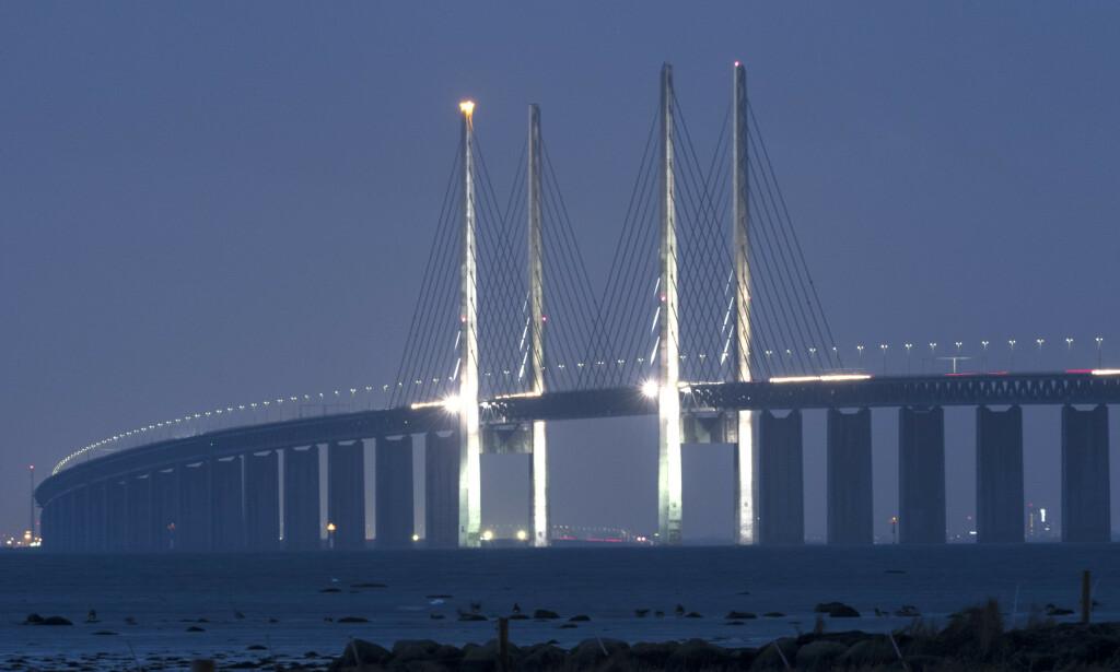 REISERÅD: Svensker og dansker kan nå trygt krysse Øresundbroen etter at danske myndigheter endret reiserådene og åpnet for reisende fra alle svenske regioner. Foto: Johan Nilsson/TT / NTB Scanpix