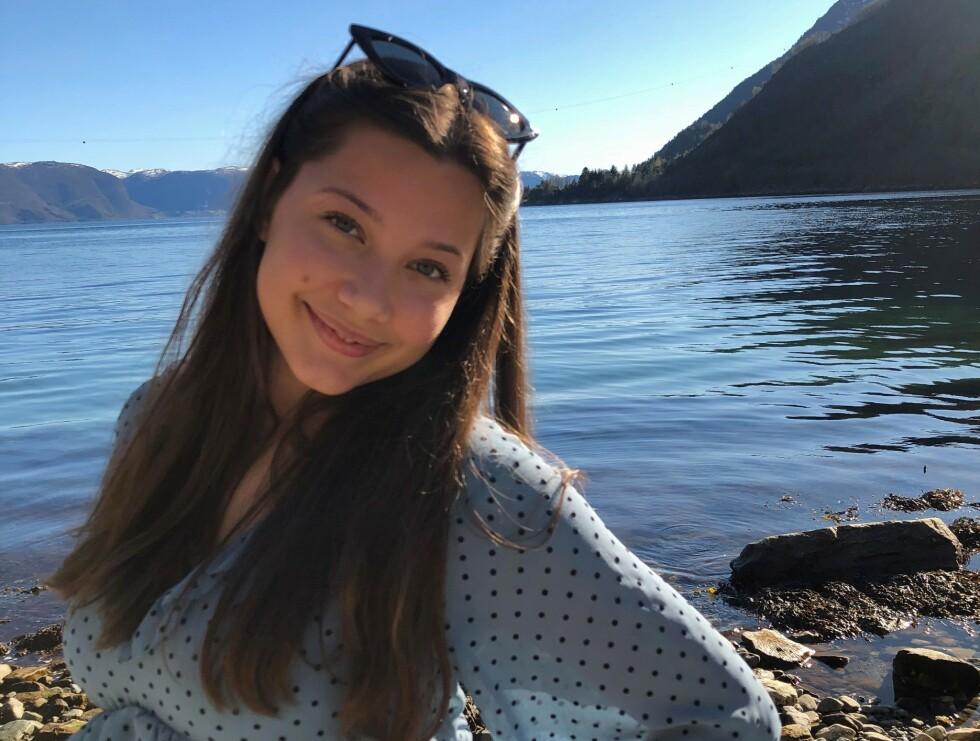 FIKK PÅVIST CORONAVIRUSET: Andrea Lien Juvik (20) forteller at hun fikk påvist coronaviruset i mars. Hun har siden blitt friskmeldt, men opplever fortsatt ettervirkninger av viruset. Foto: Privat