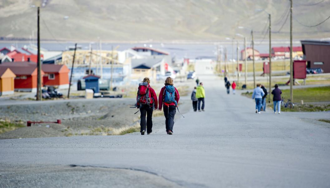 LONGYEARBYEN: Coronapandemien har gått hardt ut over reiselivet på Svalbard og Longyearbyen-samfunnet. Foto: Jon Olav Nesvold / NTB scanpix