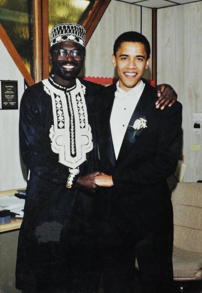 <strong>FORLOVER:</strong> I 1992 var tonen mellom Malik og Barack Obama en helt annen enn i dag. Her fra bryllupet til den tidligere presidenten og Michelle Obama. Foto: NTB scanpix