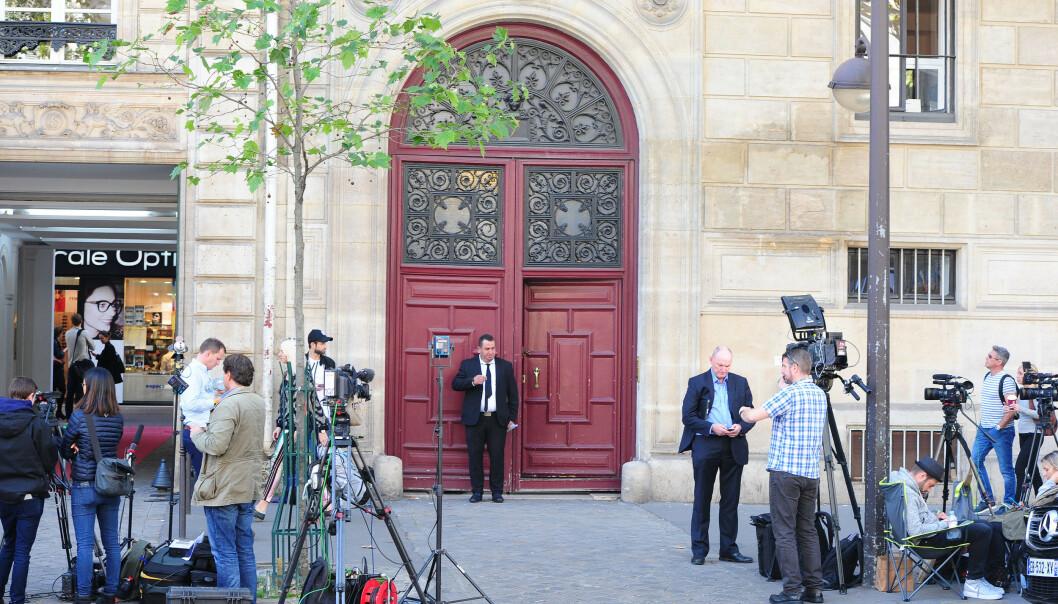 <strong>BLE RANET:</strong> Kim Kardashian ble utsatt for væpnet ran i en leilighet i dette bygget i Paris søndag. Foto: Solo Syndication