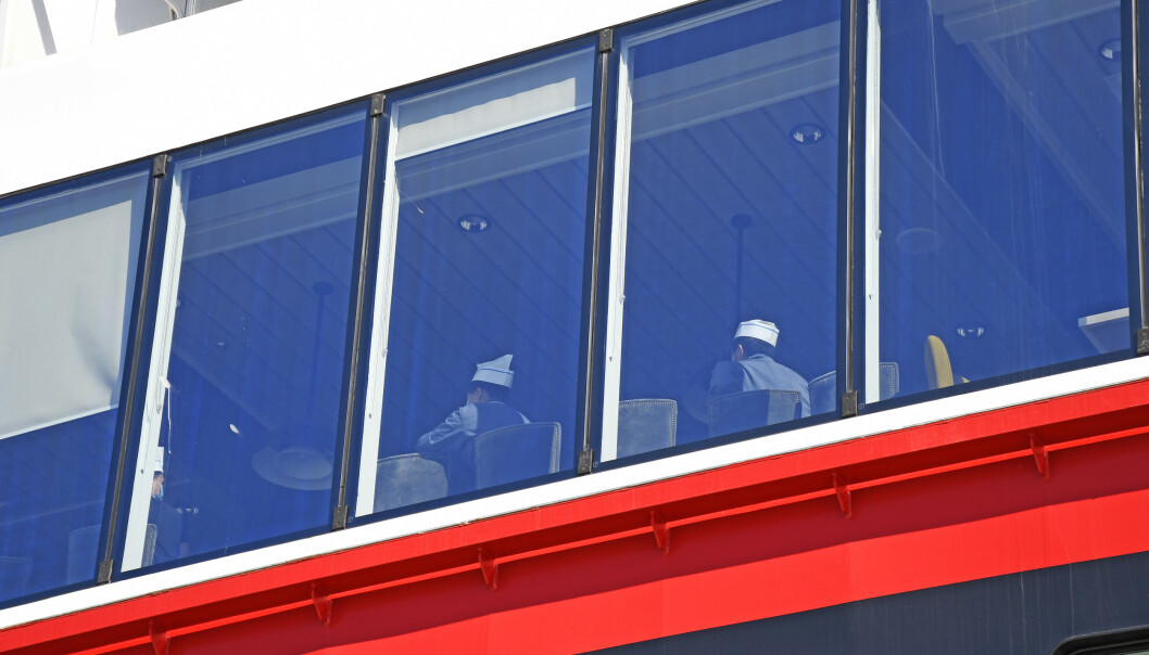 <strong>SMITTEUTBRUDD:</strong> 36 besetningsmedlemmer på Hurtigruten-skipet MS «Roald Amundsen» har blitt bekreftet smittet av coronaviruset etter seilasene. Foto: Rune Stoltz Bertinussen / NTB scanpix.