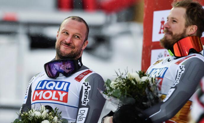 <strong>LA SKIENE PÅ HYLLA:</strong> Aksel Lund Svindal tok sølv under sitt siste renn i Åre i fjor. Her sammen med Kjetil Jansrud som kapret gullmedaljen. Foto: NTB Scanpix