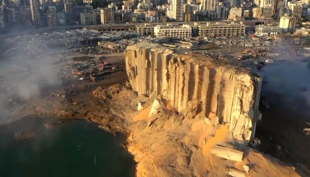 <strong>GIFTIG:</strong> Myndighetene i Libanon har bedt folk om å holde seg innendørs i frykt for at man skal utsettes for giftige gasser etter eksplosjonen tirsdag kveld.
