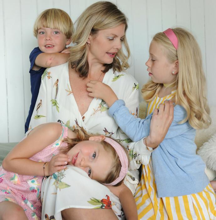 <strong>PLUTSELIG TREBARNSMOR:</strong> Erin gikk fra et singelliv med masse jobb til et familieliv med masse barn. FOTO: Marianne Otterdahl-Jensen