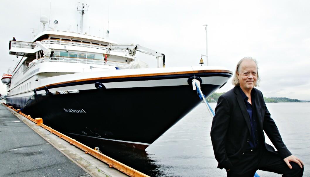 <strong>FULL REFUSJON TIL ALLE:</strong> Rederiet SeaDream Yacht Club med eier og sjef Atle Brynestad tar millionregningene etter at også deres norske cruisesesong kollapset i kjølvannet av Hurtigrutens Svalbard-tur. Rederiets skip SeaDream1 og Brynestad her ved første landgang i Oslo i 2011. Nå ligger skipet i smittekarantene utenfor Bodø med over 160 personer i smittekarantene. Arkivfoto: Signe Dons, Aftenposten/NTB Scanpix.