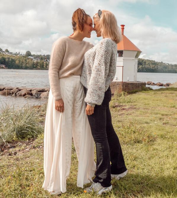 <strong>FORELSKET:</strong> Det er første gang influenserne er i et forhold med en annen jente. Foto: Privat