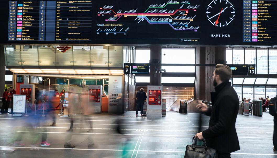 <strong>FORSINKELSER OG INNSTILTE AVGANGER:</strong> Arbeidene på toglinjene på Østlandet skal i stor grad være avsluttet og togtrafikken skal være i gang igjen også på Østfoldbanen fra 10. august, men det vil bli en uke med saktegående kjøring på strekningen Oslo S-Ski, hvor det er varslet forsinkelser og innstilte avganger 10. til 14. august. Foto: Bane NOR