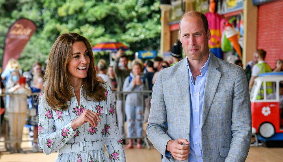 <strong>BESØK:</strong> Hertugparet av Cambridge, prins William og hertuginne Kate, var nylig på besøk i Wales. På et pleiehjem fikk de høre at bingoen paret arrangerte ikke holdt mål. Foto: NTB Scanpix