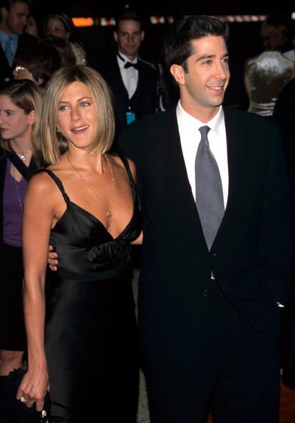 <strong>TIL SLUTT:</strong> Jennifer Aniston og David Schwimmers karakterer i «Friends» ender opp sammen. Før den tid dater derimot begge flere andre. Foto: NTB Scanpix
