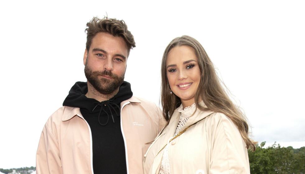 <strong>FORLOVET:</strong> «The Voice»-mentoren Martin Danielle og kjæresten Alexandra Backström har forlovet seg. Foto: Andreas Fadum / Se og Hør