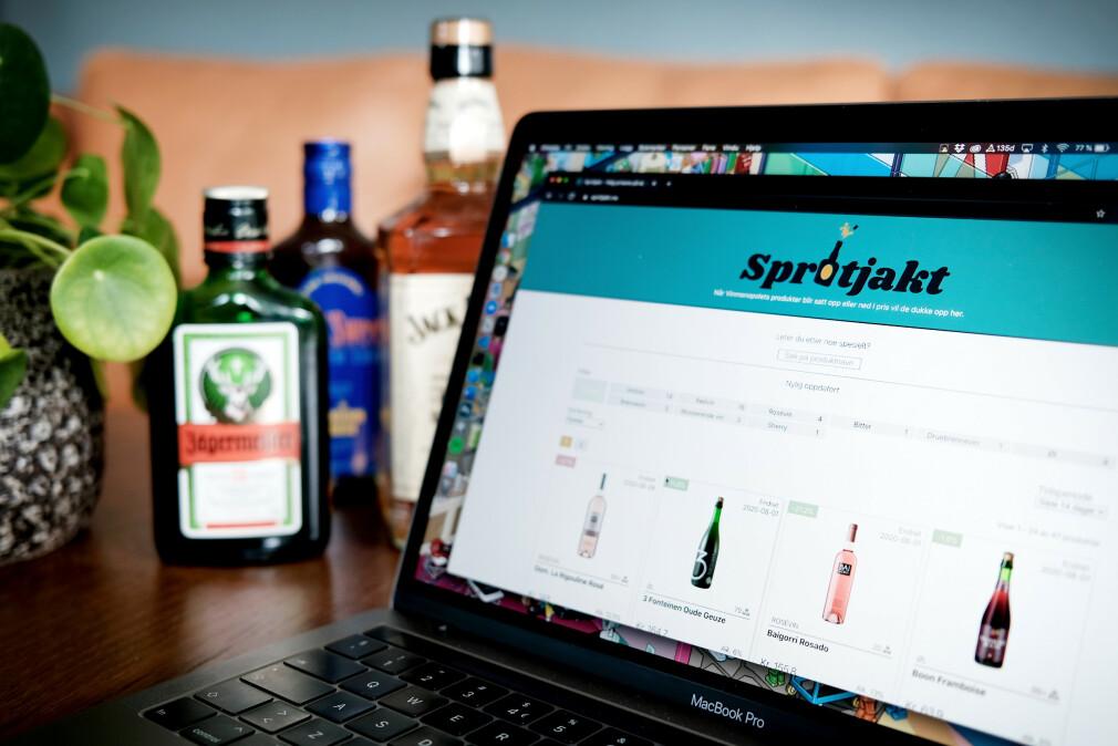 """Spritjakt.no spør hver dag om prisene fra Vinmonopolets API. Går prisen ned, kan du dermed finne """"tilbudet"""" gjennom tjenesten. 📸: Ole Petter Baugerød Stokke"""
