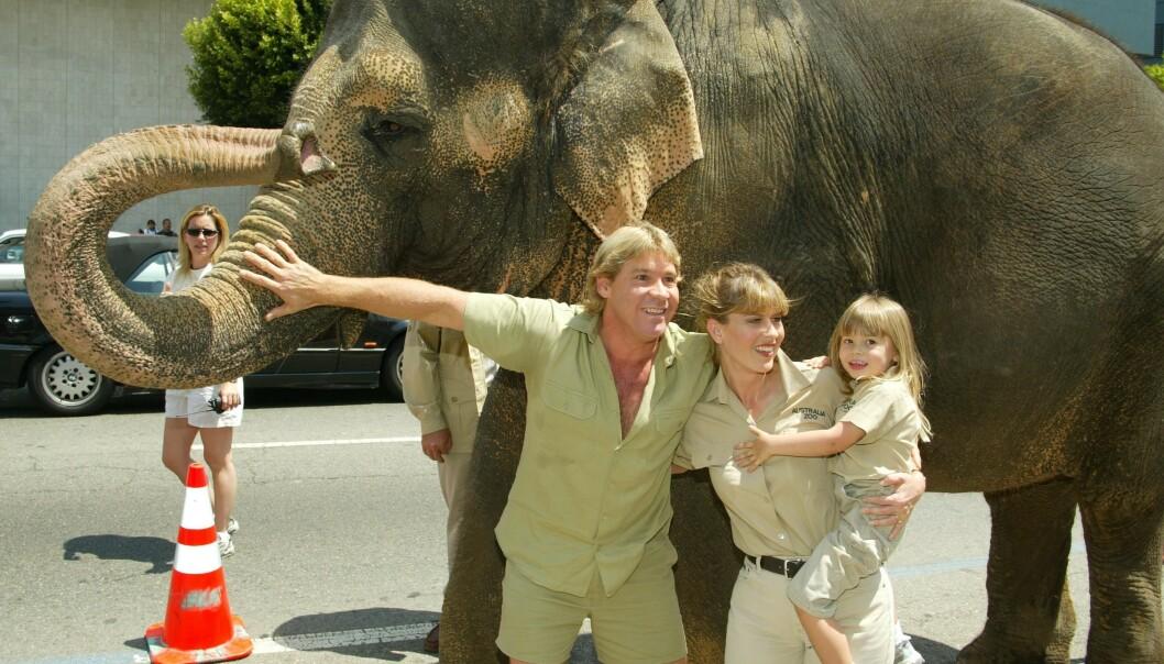 <strong>DYRELIVFAMILIE:</strong> Steve Irwin, kona Teri og dattera Bindi i 2002. Foto: NTB scanpix
