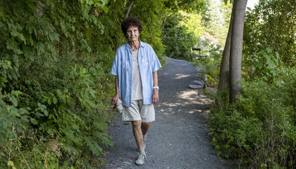<strong>- MIN ELSKEDE MANN:</strong> «Hustruer»-regissør Anja Breien fylte 80 år i sommer. Hun savner fremdeles Thorvald. Foto: Anders Grønneberg