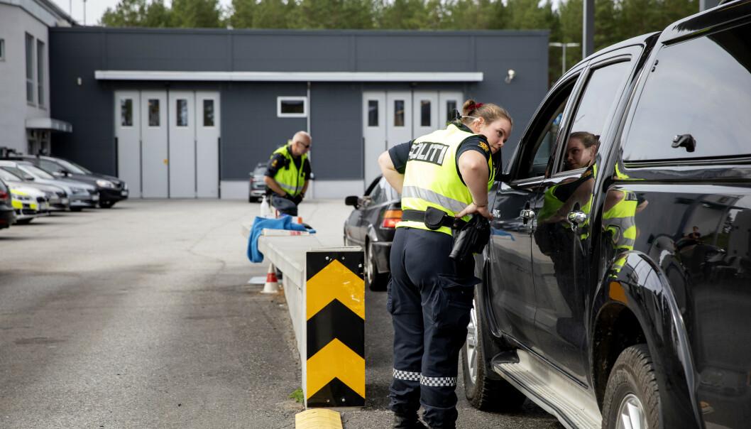 <strong>SVERIGE:</strong> Ifølge Tollvesenet var det mange som reiste over grensa i går. Foto: Nina Hansen / Dagbladet.