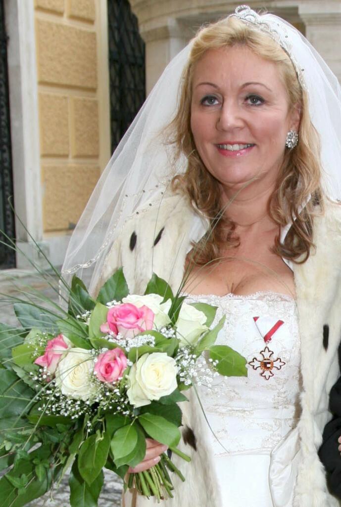 <strong>NY KONE:</strong> I 2008 giftet prinsen seg med Gertraud-Antonia Wagner-Schöppl. Foto: NTB scanpix