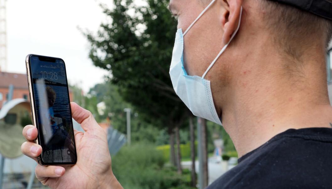 <strong>NYTT PROBLEM:</strong> Bruken av munnbind har skapt nye utfordringer hva gjelder mobilsikkerhet. Foto: Kirsti Østvang