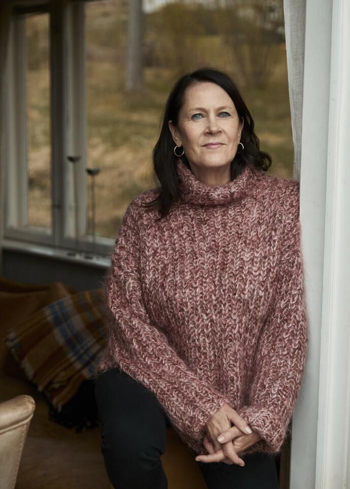 <strong>NORMALT I DET UNORMALE:</strong> Under korona har livet til Vigdis Hjorth fortsatt omtrent som før:  – Jeg er vant til å være alene, så sånn sett har det ikke vært så stor i forskjell for meg. FOTO: Sara Angelica Spilling