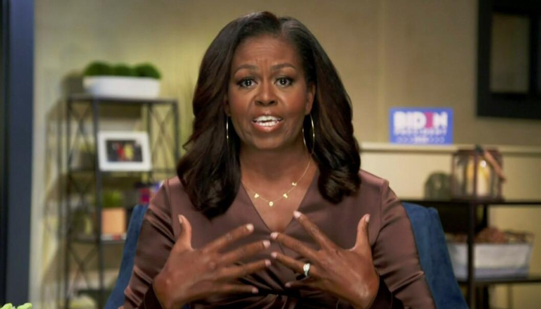 <strong>VEKKER OPPSIKT:</strong> Da Michelle Obama dukket opp på tv-skjermen mandag var det ikke bare den tidligere førstedamens tale seerne beit seg merke i. Foto: NTB Scanpix