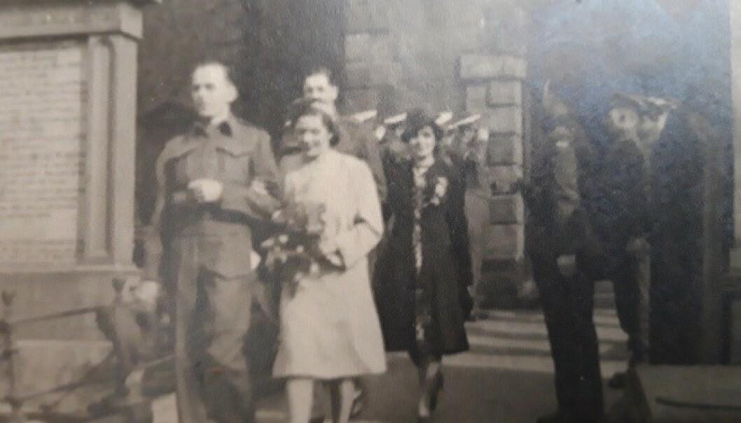<strong>KRIG OG KJÆRLIGHET:</strong> Hans Georg Bratli giftet seg med sin skottske kone Helen Jane i byen Dumfries under krigen. Foto: George Michael Bratli