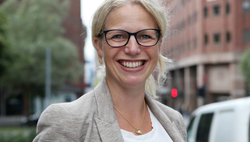 <strong>LOVER BEDRING:</strong> Linda Granlund ved Helsedirektoratet innrømmer at de henger litt etter som følge av arbeidet med corona, men at det snart skal komme justerte råd for småbarnsforeldre. Foto: Helsedirektoratet