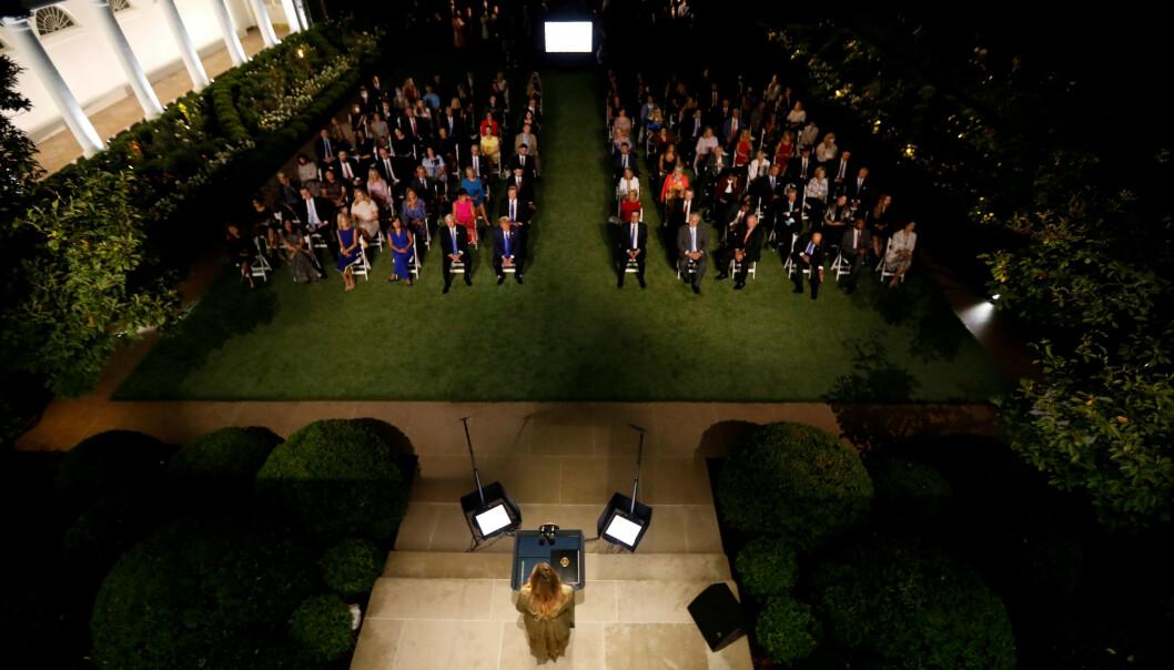 <strong>I ROSEHAGEN:</strong> Slik så det ut da Melania Trump holdt landsmøtetalen. Foto: REUTERS / Kevin Lamarque  / NTB scanpix
