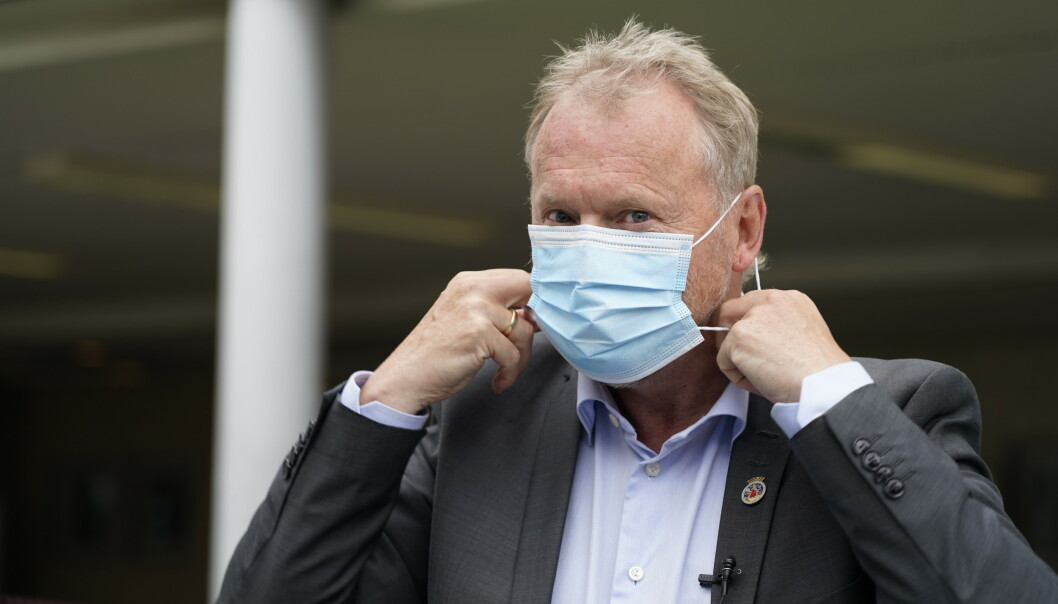 Raymond Johansen mener påbud om munnbind kan være klokt