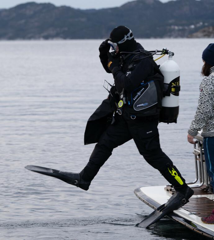 <strong>UNDER OVERFLATEN:</strong> Gordon Ramsay lar seg imponere av Norges godt bevarte hemmeligheter. Foto: National Geographic
