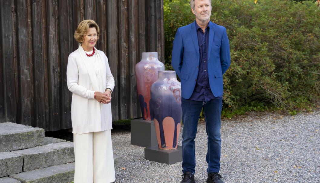 Dronningen og Magne Furuholmen åpner utstillinger sammen
