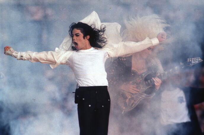 <strong>KONGEN AV POP:</strong> Michael Jackson døde i 2009, etter å ha kollapset i sitt eget hjem. Foto: NTB Scanpix
