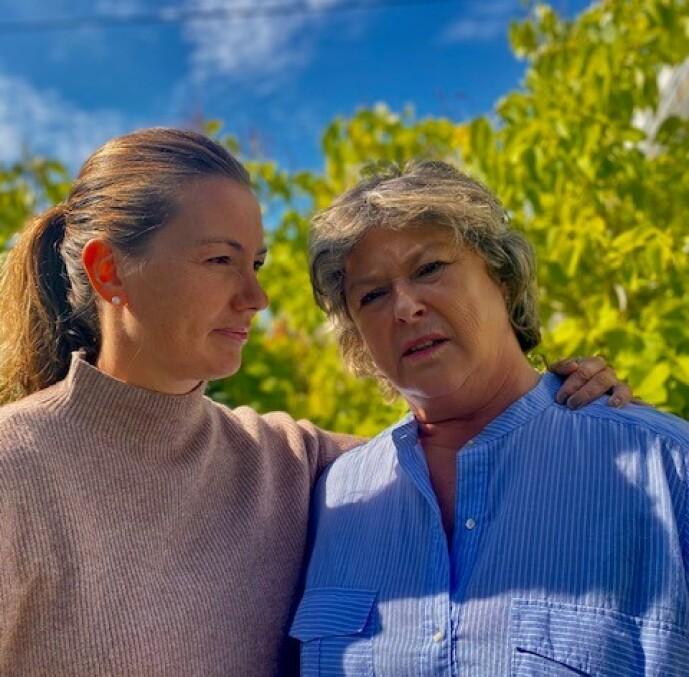 <strong>HVA SKJEDDE?:</strong> I 39 år har lillesøster Elsebeth og mamma Torunn lurt på hva som skjedde med Marianne, da hun forsvant på vei hjem fra iskremkiosen i Risør. FOTO: Privat