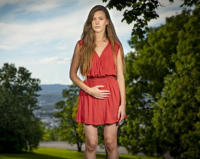 <strong>GJØR VONDT:</strong> - Jeg håper legene får mer kunnskap om endometriose, slik at flere jenter kan hjelpes tidligere, sier Martine.