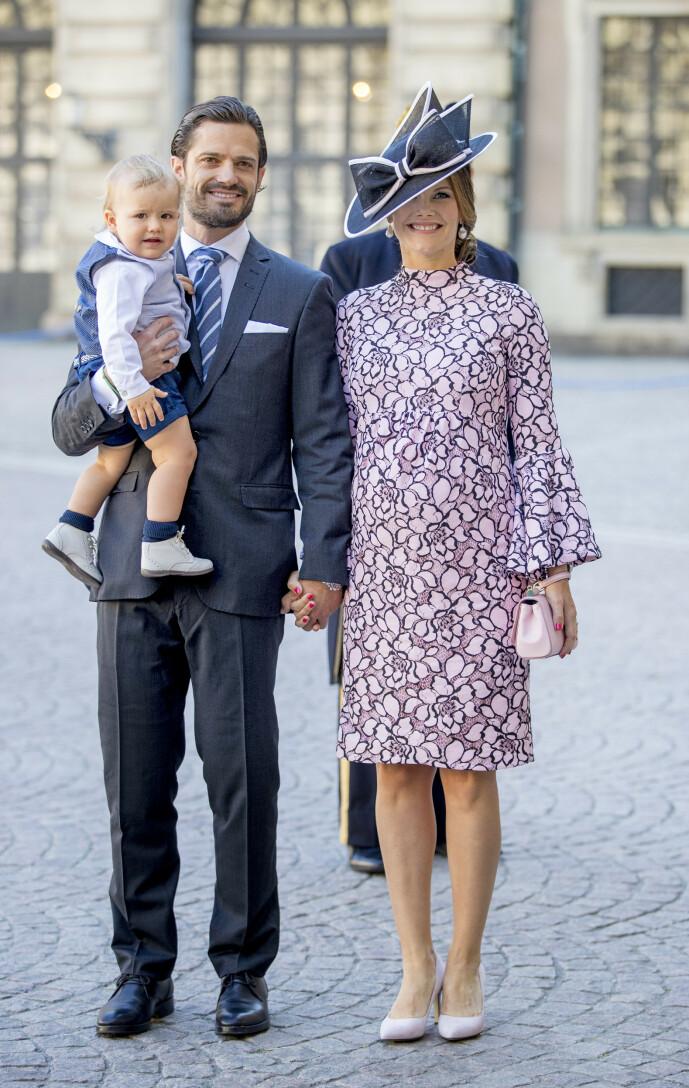 <strong>- HIMLA TØFT:</strong> I dokumentaren forteller prinsessa at hun og kjæresten veide hvorvidt de faktisk kunne være sammen. Det ble heldigvis dem til slutt. Her fotografert med sønnen Alexander i 2017. Foto: NTB Scanpix