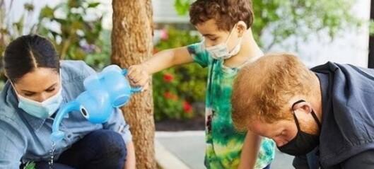 Meghan og Harry kritiseres for å utnytte barn i PR-strategi