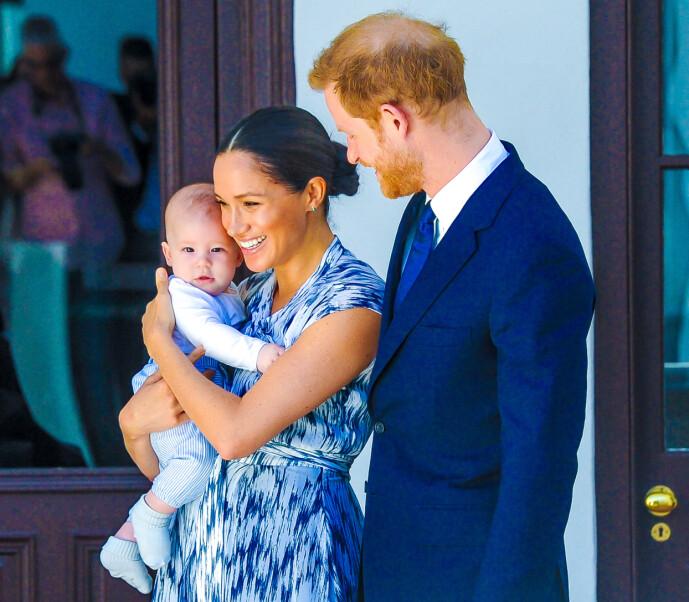 <strong>VERNER OM SØNNEN:</strong> Ekteparet Meghan og Harry ble foreldre til sønnen Archie Harrison Mountbatten-Windsor den 6. mai 2019. Her fra et besøk i Sør-Afrika senere samme høst. I dag bor familien på tre i USA, og har frivillig meldt seg ut av den britiske kongefamilien. FOTO: NTB scanpix