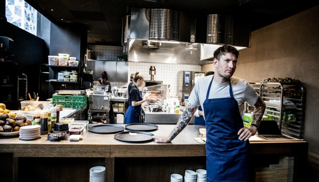 BILLIG-MAAEMO? Esben Holmboe Bang fra Maaemo, har endelig kunnet åpne restauranten han selv har savnet å gå på i Oslo. Foto: Christian Roth Christensen / Dagbladet