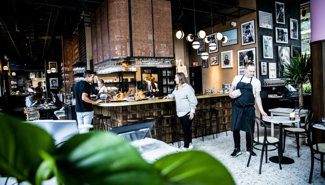 <strong>UFORMELT:</strong> Det er en trivelig, kontinental stil på The Vandelay, der de fleste vil føle seg hjemme. Foto: Christian Roth Christensen / Dagbladet