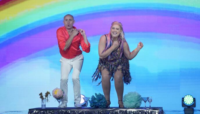 <strong>DANS PÅ BORDET:</strong> Agnete Husebye bød på mye danseglede. Foto: Espen Solli / TV 2
