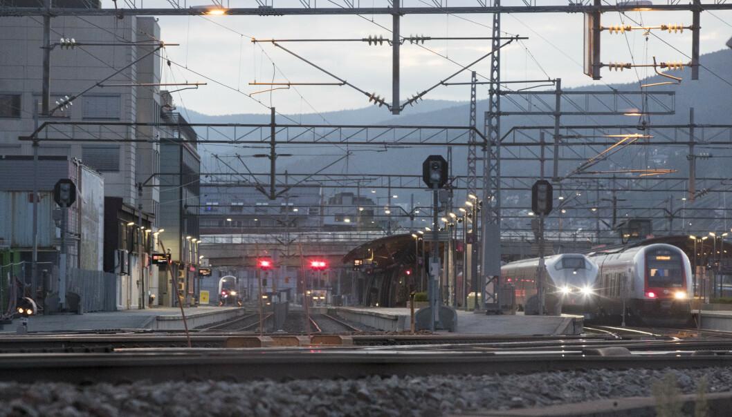<strong>DRAMMEN STASJON:</strong> Førstkommende helg blir det arbeider på togstrekningen mellom Drammen og Kongsberg samt Kongsberg og Kristiansand. Foto: Terje Pedersen / NTB scanpix