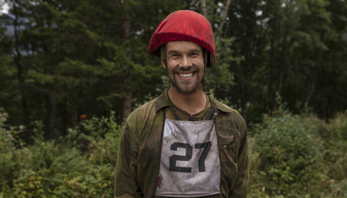 <strong>INGEN MILITÆRERFARING:</strong> Morten Hegseth tar sine første skritt i en militærleir. Foto: Matti Bernitz/TV 2