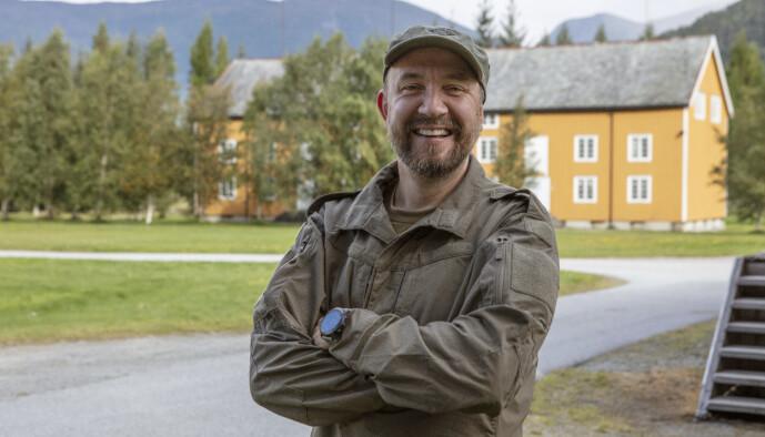 <strong>PÅ HJEMMEBANE:</strong> Bernt Hulsker kjenner godt til Romsdals-området, som han har vokst opp i. Foto: Matti Bernitz/TV 2