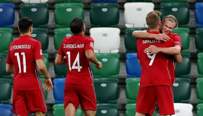 <strong>GIFTIG DUO:</strong> Erling Braut Haaland og Alexander Sørloth scoret fire mål for Norge. Foto: NTB scanpix