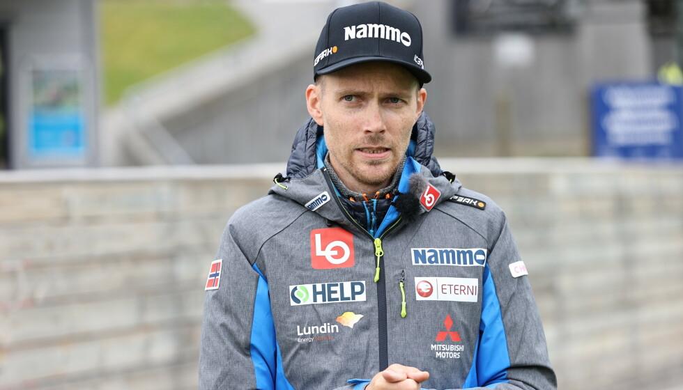 <strong>TILBAKE:</strong> Bjørn Einar Romøren var tirsdag tilbake i hoppmiljøet.  Foto: Geir Olsen / NTB scanpix