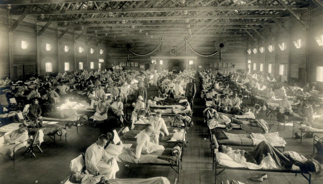 <strong>I KARANTENE:</strong> Soldater ble satt i karantene etter å ha fått påvist influensaen, som hos oss kalles Spanskesyken, i Kansas, USA, i 1918. Foto: Reuters/ NTB Scanpix