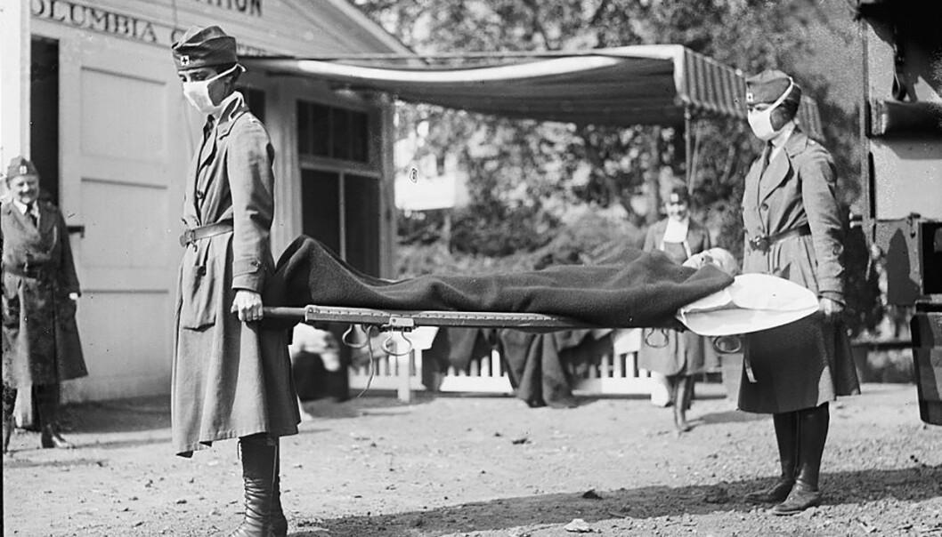 <strong>DEMONSTRASJON:</strong> Sykepleiere deltar i en demonstrasjon utenfor Røde Kors ambulanse-stasjon i Washington i 1918. Foto: Reuters/ NTB Scanpix