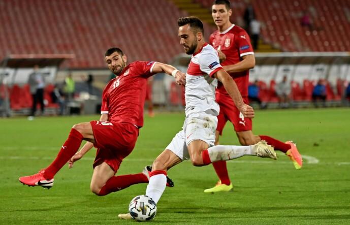 <strong>NORGE VENTER:</strong> Stefan Mitrovic og Serbia spilte 0-0 mot Tyrkia søndag. Neste gang er Norge motstander i EM-playoff. Foto: NTB scanpix